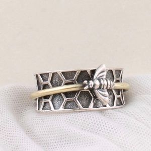 Jewelry - Boho Honeycomb Bee Spinner Ring